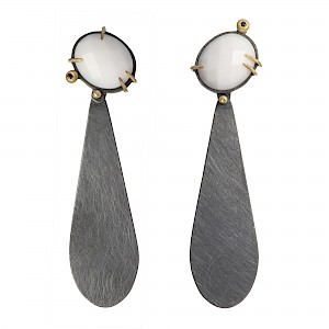 E91 white onyx and oxidised silver drop earring