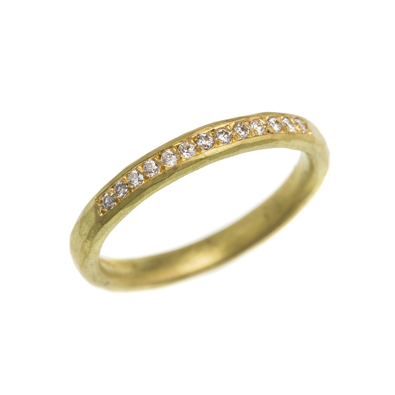 R247 18ct W & Y gold hammered ring, 40pt dia & R246 18ct Y grain set hammered band Photo r246.jpg