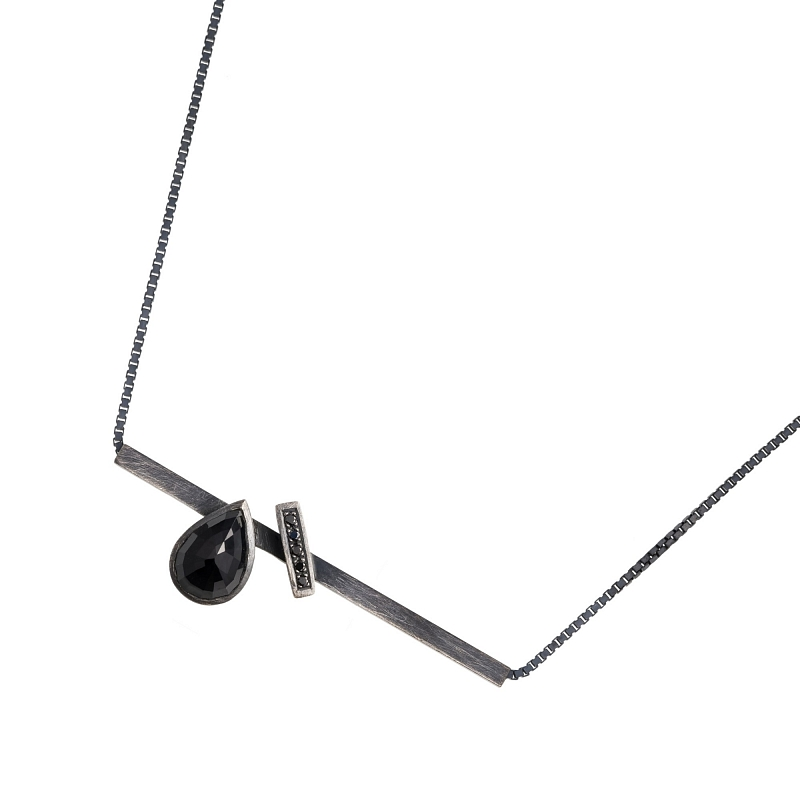 P110 Black spinel & diamond tube necklace Photo p110.jpg