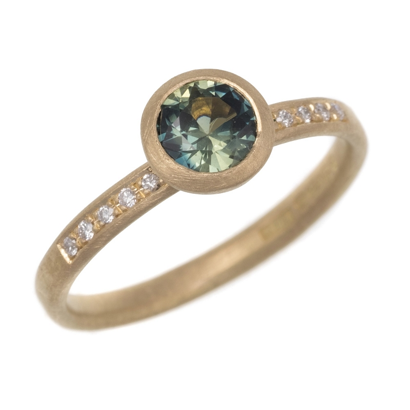 R314 sapphire diamond and 18ct y gold ring Photo h_webster-5801.jpg