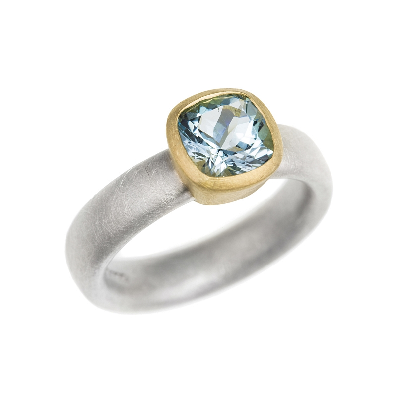 R218 cushion facet aquamarine, silver and 18ct Y gold ring Photo r218.jpg