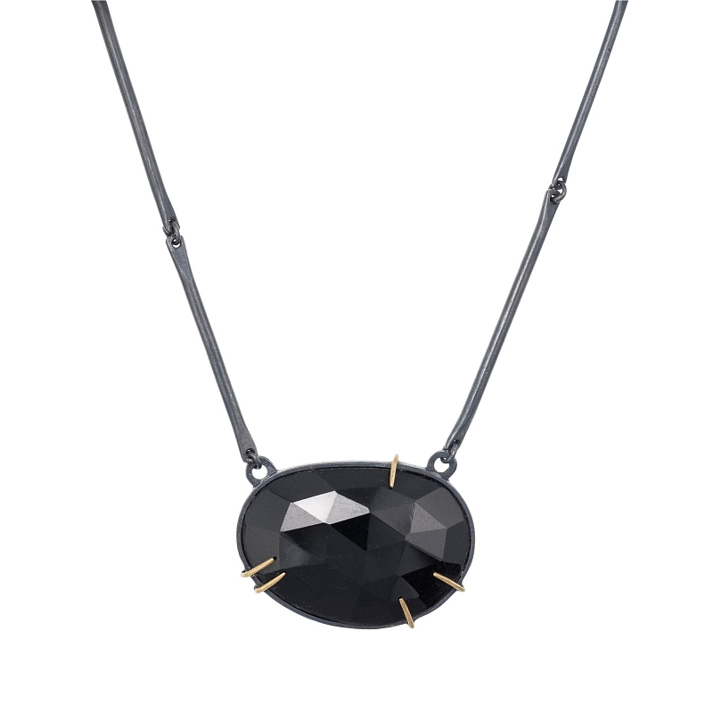 P115 Black spinel, oxidised silver and gold necklace Photo p115.jpg