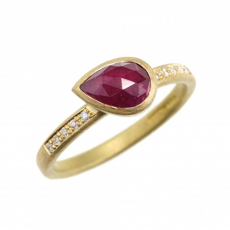 R347 & R348 pear shape rose cut Ruby and sapphire rings Photo r348.jpg